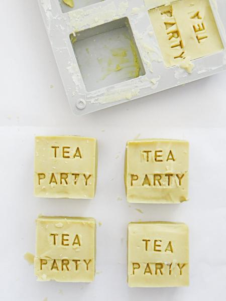 Savon au thé vert !-Démouler