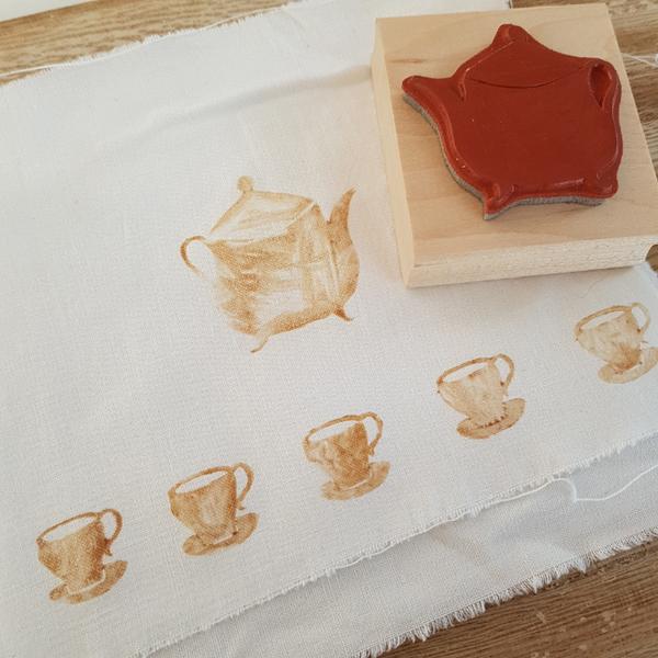 Décorer du tissu tamponné à l'encre de thé-Imaginer sa propre décoration