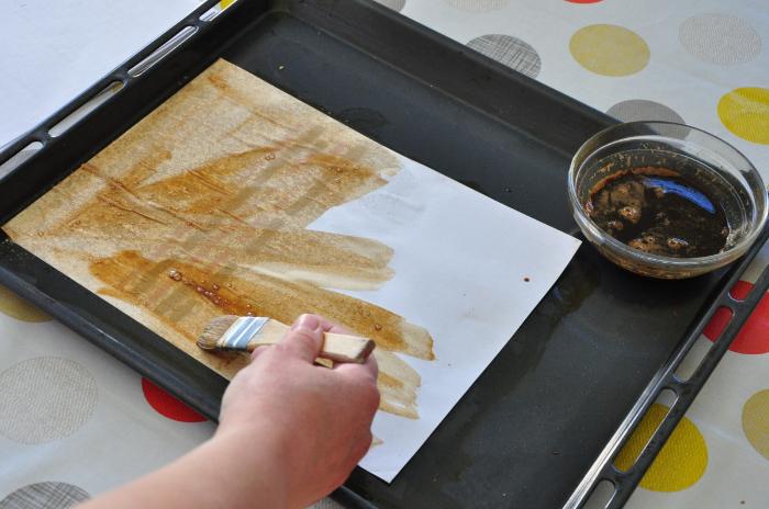 Grimoire de sorts et incantations (qui sent le café) [reliure japonaise]-Teinture des feuilles et du fil... couleur café !
