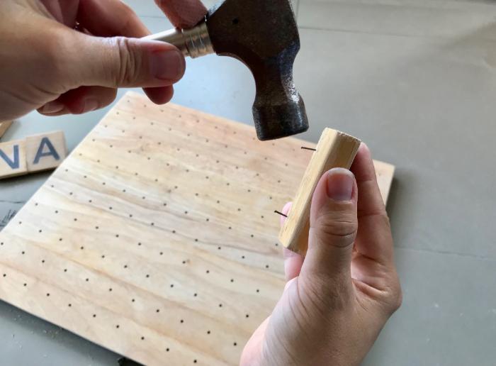 Fabriquez votre Pegboard Lettres-Réaliser les accroches des lettres