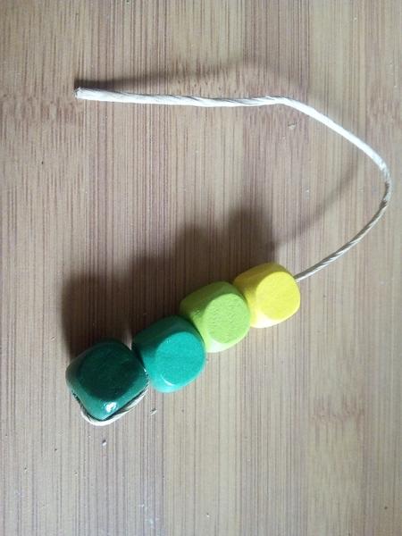 Un palmier en papier / perles colorées-Création des branches