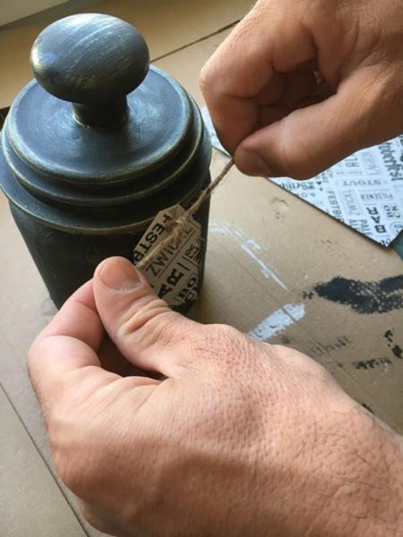 Comment transformer un vieux bocal en photophore-Créer une étiquette
