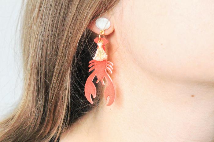 Boucles d'oreilles homard en plastique fou-Et voilà !