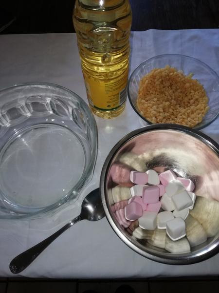 Le gâteau pour annoncer votre grossesse en douceur -Pelote de laine en pâte à sucre et RKT