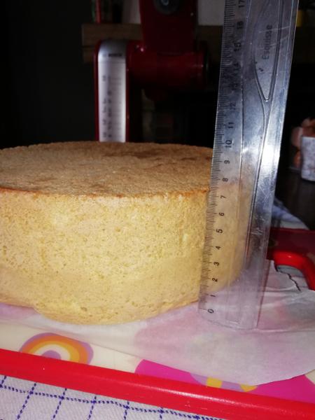 Le gâteau pour annoncer votre grossesse en douceur -La génoise ultra facile