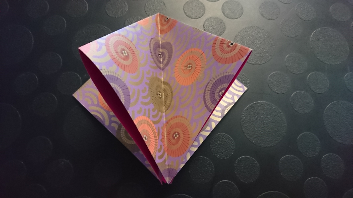 La guirlande de grues origami (qui brille)-1. Plier la grue