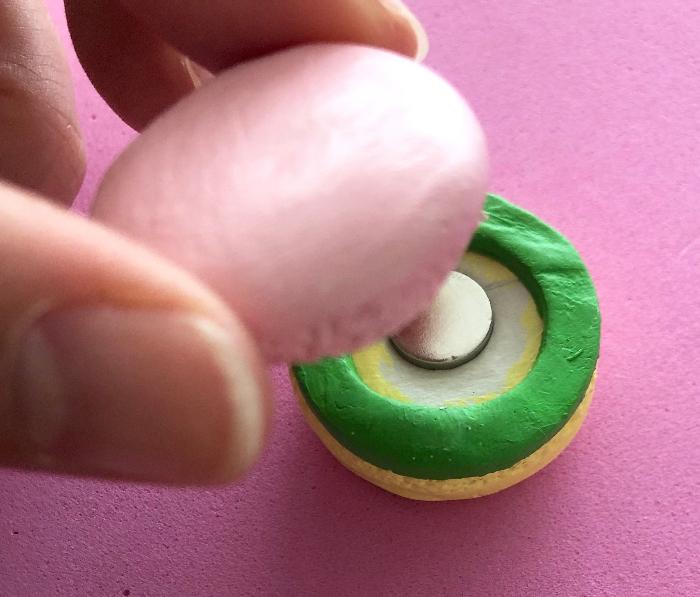 macaron dinette à assembler soi-même en pâte autodurcissante -L'assemblage