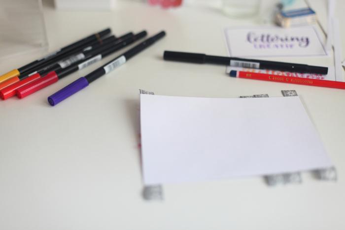 Menu en lettering et fond aquarelle pour un mariage coloré-Création du fond aquarelle