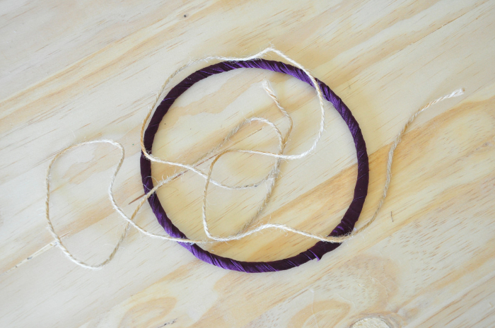 Attrape-rêves de sorcière (qui laisse passer l'air)-Le pentagramme en ficelle de jute