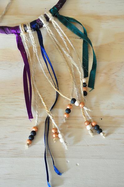 Attrape-rêves de sorcière (qui laisse passer l'air)-Des perles et des gouttes