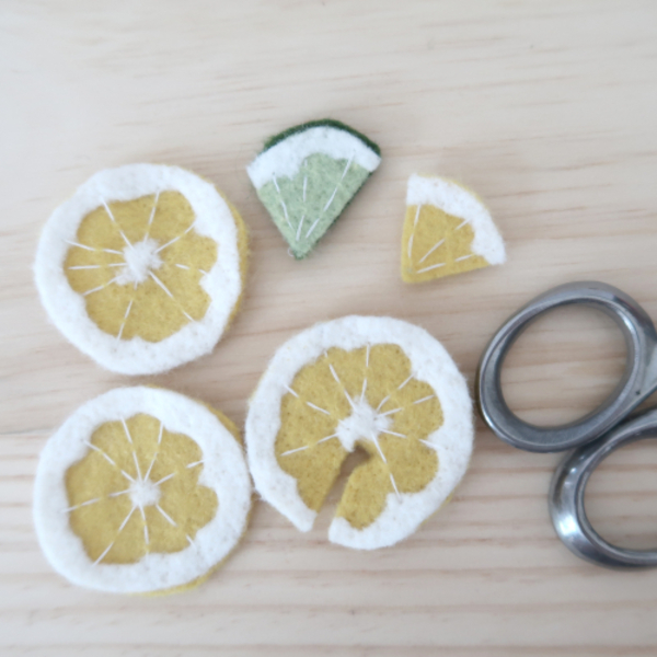 Limonade en feutrine pour jouer à la dînette-Création des rondelles de citron pour la limonade