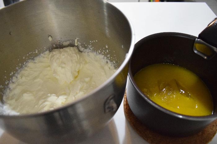 Entremet litchi-framboise-mangue, dacquoise avocat-Mousse mangue