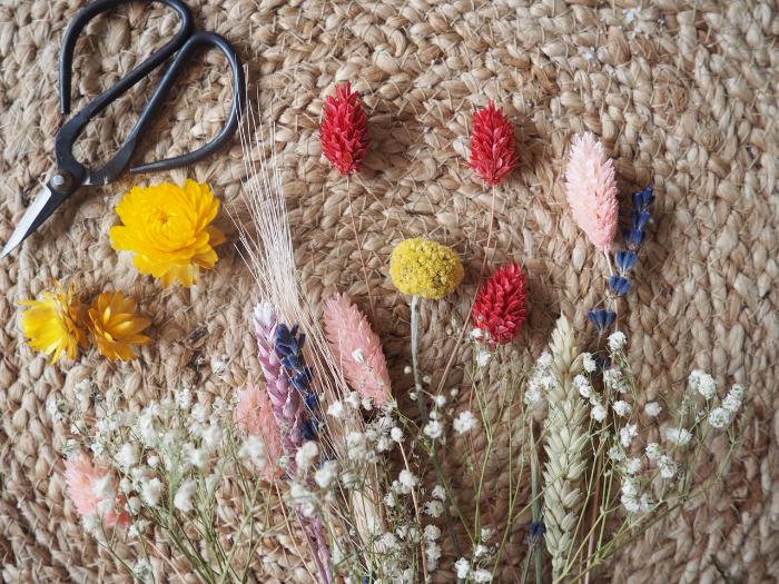 Suspensions fleuries odorantes-Coupez vos fleurs séchées