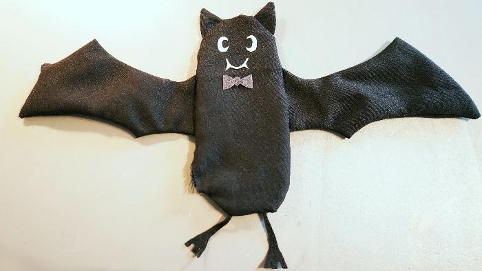 Le doudou chauve-souris pour les petits vampires-Finitions