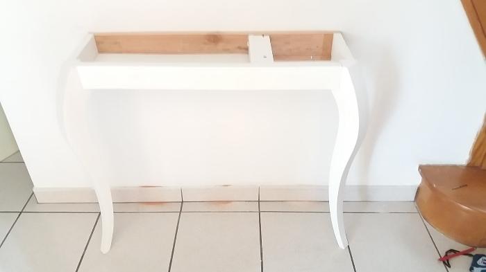 De la table à la console-Fixation au mur.