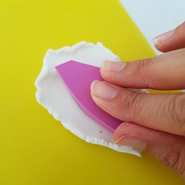 Décoration Feuilles de Thé en Porcelaine Froide-Réaliser une empreinte avec un tampon (façon 1)