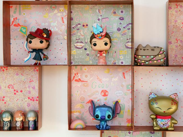 Une étagère murale upcyclée-Fixer l'étagère au mur et la décorer !