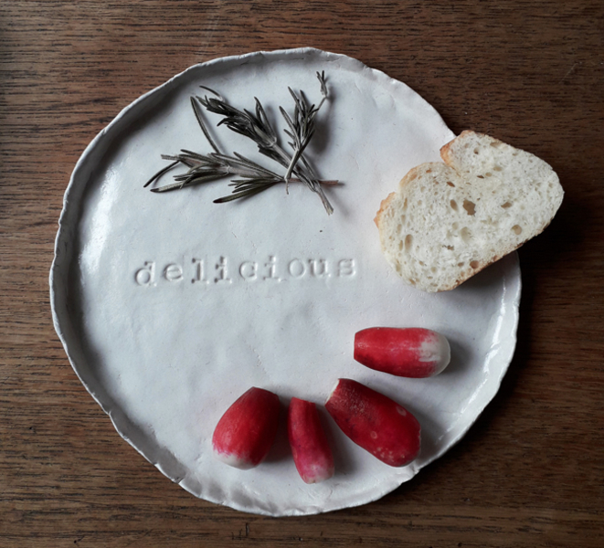 Les assiettes à message-et maintenant à table !
