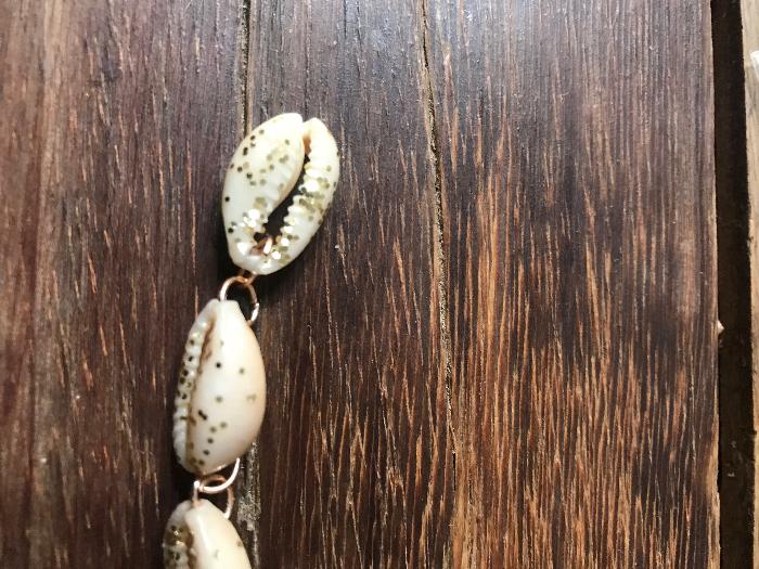 Fabriquez LE bracelet en coquillages essentiel à votre été-Assemblage du bracelet