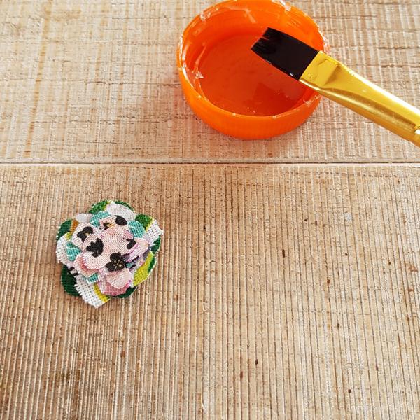 Collier plastron upcycling-Mettre quelques fleurs