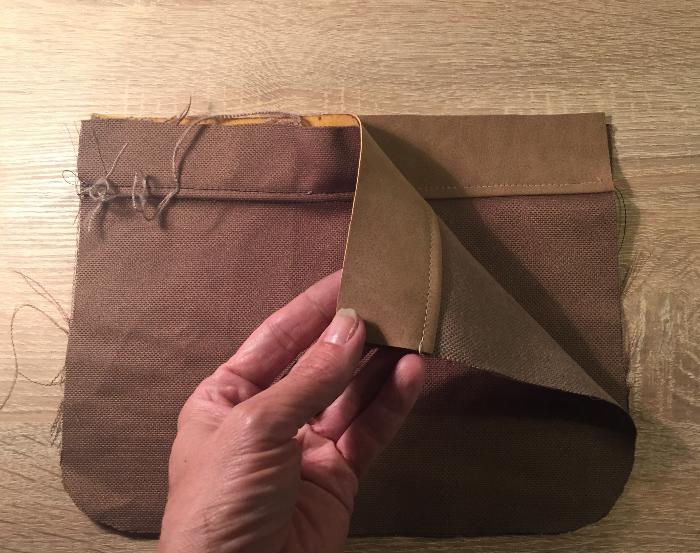 Pochette de plage Manea par Lili Birdy-Assemblage de l'intérieur du sac