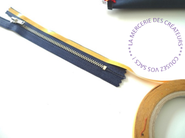Pochette liège ou cuir MAKKY -Préparation du zip