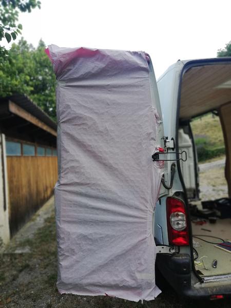 Habillage intérieur de porte de camionette-Accrochage de la nappe