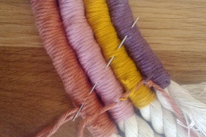 Un arc en ciel en laine-Assemblage et finitions