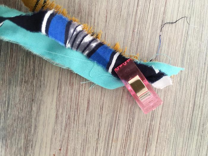 Bracelet natté en tissu (ou collier)-Assemblage bracelet