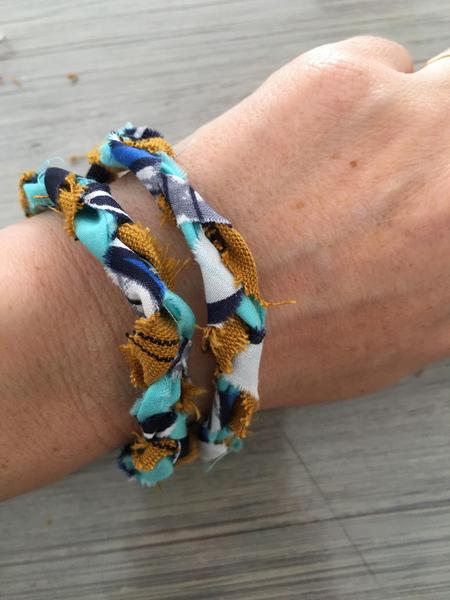 Bracelet natté en tissu (ou collier)-Bracelet prêt à porter
