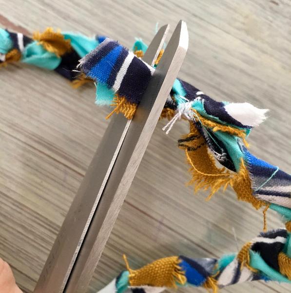 Bracelet natté en tissu (ou collier)-Finitions