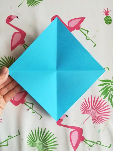 Couronne origami en papier-L'animal en origami