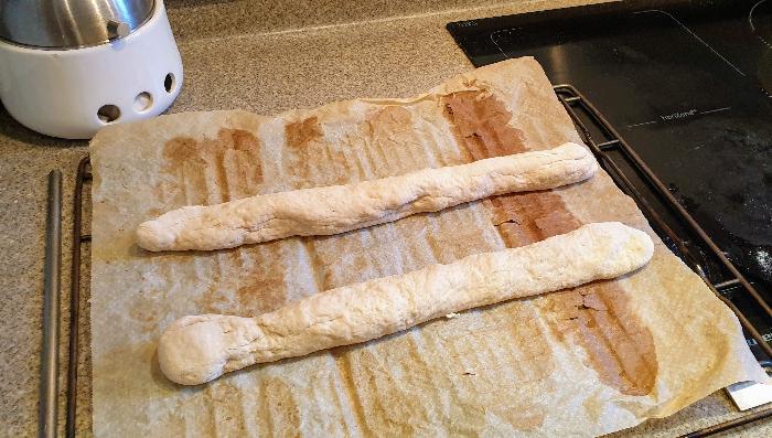 Baguettes de pain maison-Façonnage des baguettes et deuxième levée