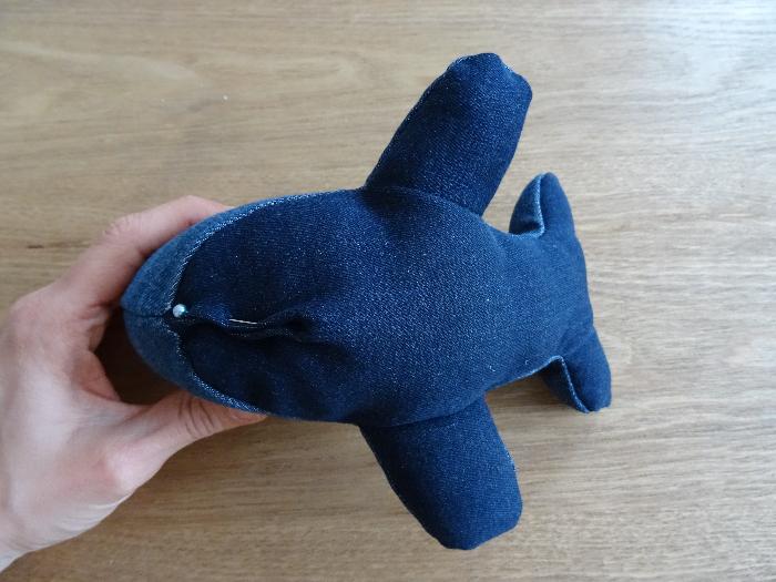 Une peluche baleine toute mignonne-Fermer la baleine
