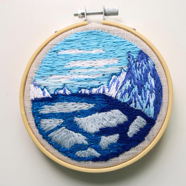 Broderie miniature: l'Arctique-Etape 4: les montagnes et le ciel