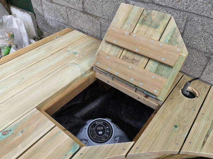 Terrasse pour SPA gonflable, avec couvercle motorisé-Trappe d'accès
