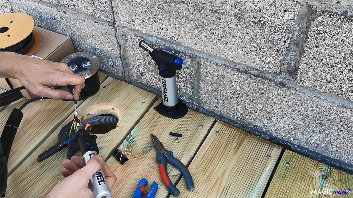 Terrasse pour SPA gonflable, avec couvercle motorisé-Pose des spots