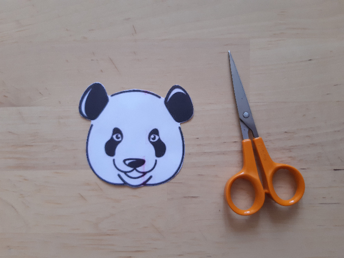 Un porte-monnaie panda à partir d'une bouteille de shampoing-Imprimer et découper le patron
