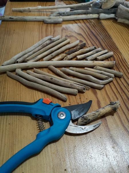 Vide-poche en bois flotté-Coupez le bois