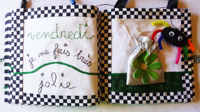 """Livre textile """"Les 7 jours de la semaine""""-"""
