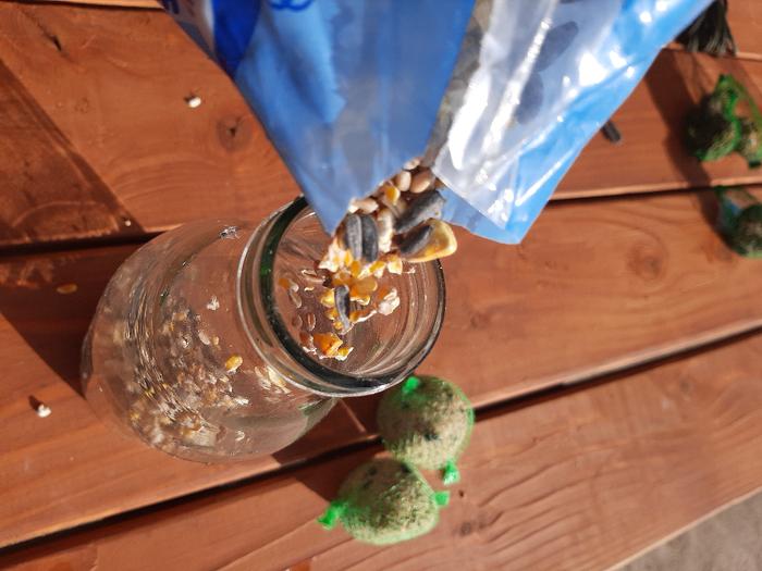 Une mangeoire 100% récup pour oiseaux du jardin!-Faire le plein!