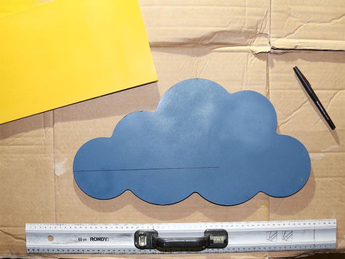 Etagère décorative nuages-Assembler le gros nuage et la planche