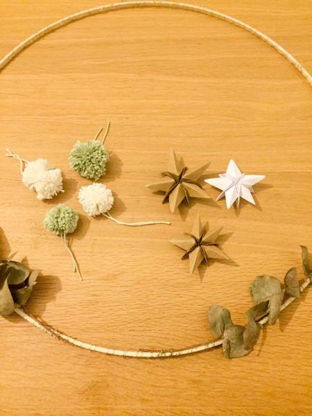 Une couronne de Noël minimaliste-Assemblage