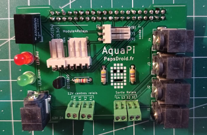 DIY Monitoring Aquarium connecté - AquaPi-Soudure des composants sur la carte mère