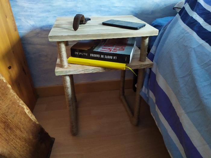 Une table de chevet sans clou ni vis -Photos finales