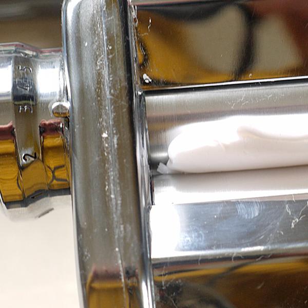 """""""La mer en mars"""" pendentif en pâte polymère-Préparation ou conditionnement de la  pâte translucide"""