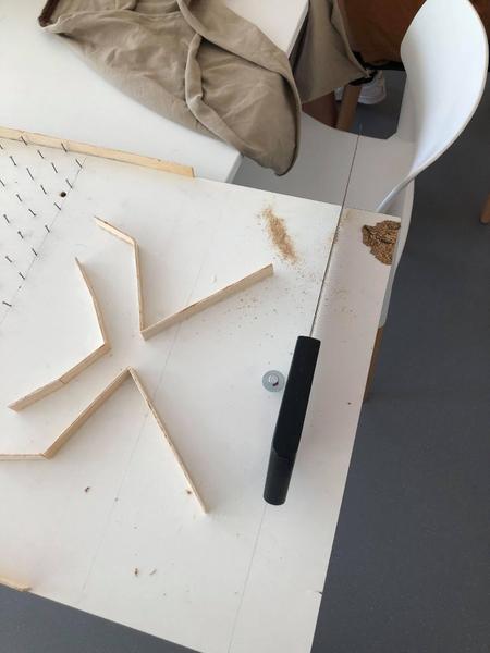 Créer le coffre du jeu-Collage des petites pièces de bois