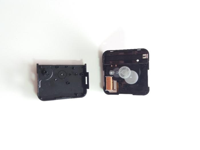 Partie électronique de la Dingo'clock-Démonter le boîtier de contrôle de l'horloge