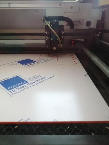 Jeu de dame de poche -Modélisation des pièces nécessaires + Processus de découpe laser