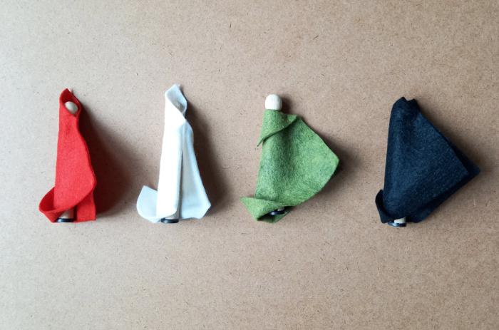 Le mini théâtre magnétique du petit chaperon rouge-La troupe est prête !
